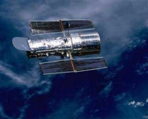 hubble-above-earth-telescope-picture