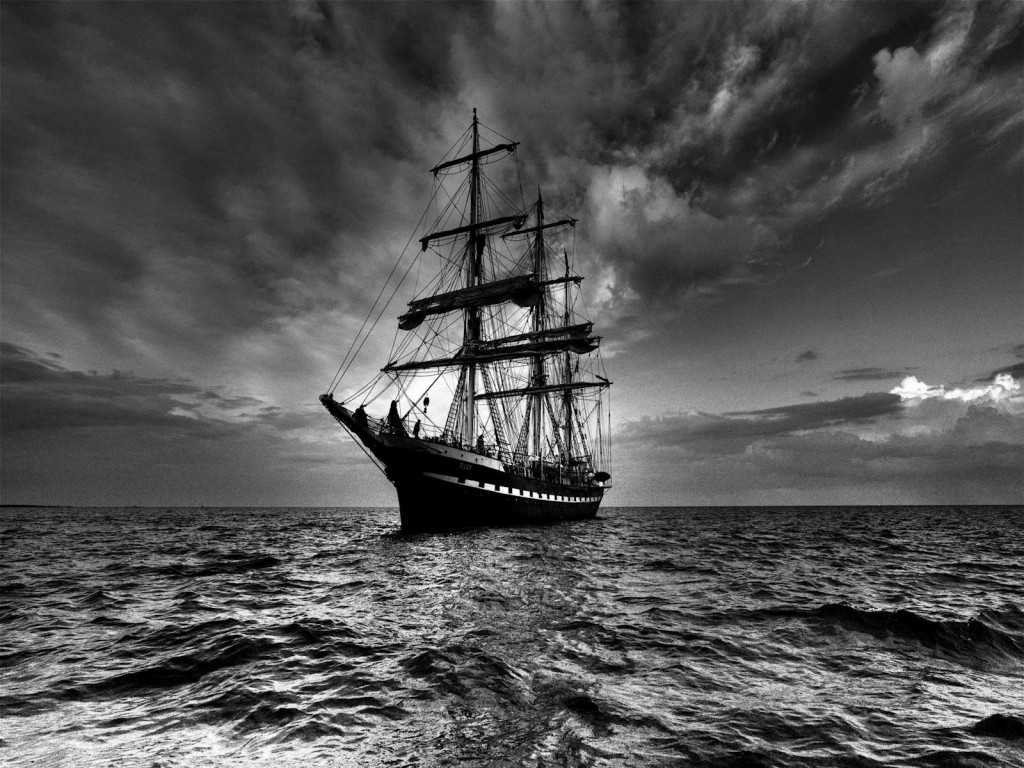 ships at sea picture