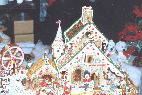 pictures of gingerbread house