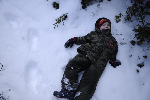 kid in snow pictures