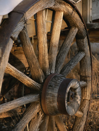 picture of a wagon wheel