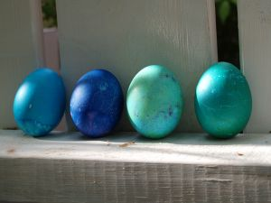 blue easter eggs pictures