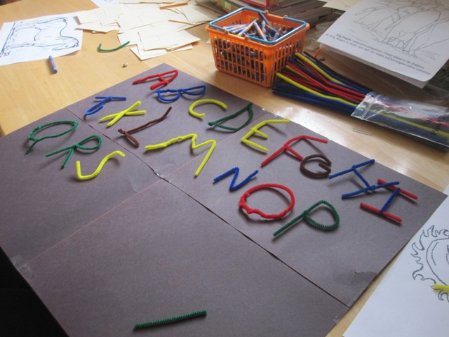 pipe cleaner craft pictures
