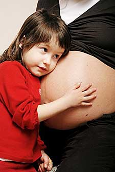pregnant mom child pictures