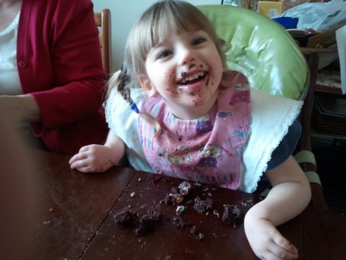 kid eating cookies pictures