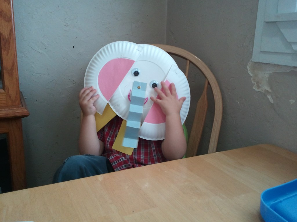 paper plate elephant craft with wrinkly nose & Children learn about Elephants