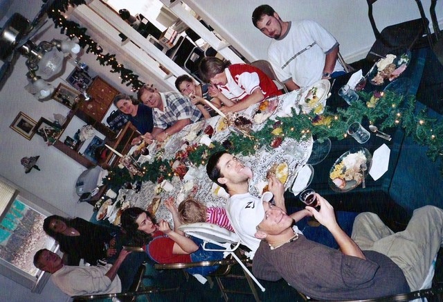 christmas family dinner pictures
