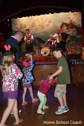 kids dancing picture