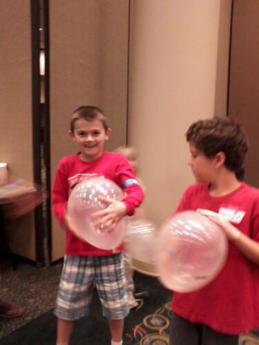 screaming balloons pic