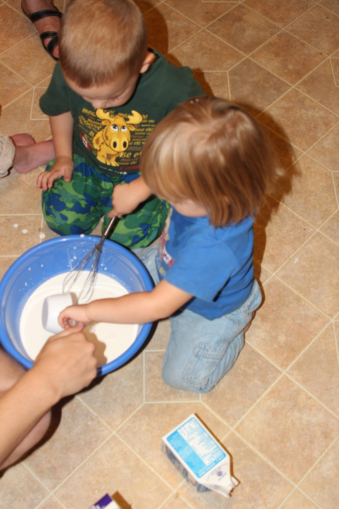 kids making ice cream image
