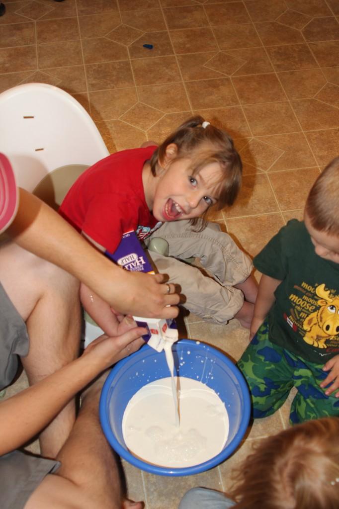 kids making ice cream picture
